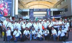 Berfoto bersama di Sirkuit International Sepang, Malaysia