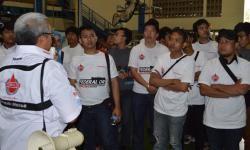Federal Oil Online Community Gathering Factory Visit 2013-4