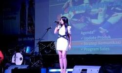 Kehadiran Penyanyi Cantik di Federal Matic Gathering Samarinda, Hangatkan Suasana