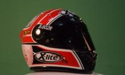 Nuansa Merah Putih di Helm Doni Tata