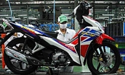 Harga Honda Blade S Rp 13,7 Juta Tanpa Disk Brake Belakang