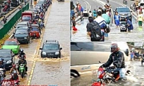 Motor Kebal Terhadap Hujan, Ada Cara Khusus!