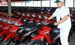 Honda Revo Tampil Lebih Segar, Harga Masih Sama!
