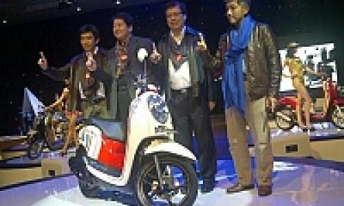 Honda Scoopy Injeksi Cuma Naik Rp 150 Ribu!