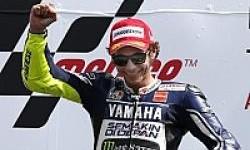 Rossi : Saya Akan Tetap Bersama Yamaha!