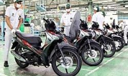Ingin Angkat Derajat Motor Bebeknya, Honda Hadirkan Wajah Baru Supra X 125 Helm in