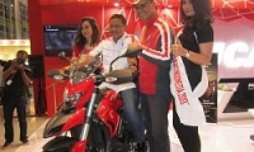 Ducati Luncurkan Hyperstrada di IIMS 2013