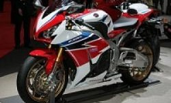 Honda CBR1000RR SP, Supersport Edisi Jalanan