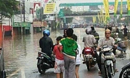 Banjir Malanda Jakarta, Bikers Wajib Kenali Titik Banjir
