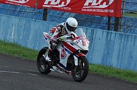 Dwi Satria Raih Podium di OMR Honda CBR250R IRS Seri 2