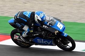 Fenati Angkat Tropi Utama di Moto3 Mugello, Italia