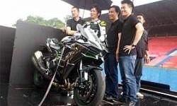 Pembalap Lawas dan Supersport Didaulat Geber Kawasaki Ninja H2