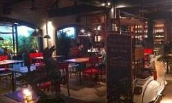 Teir Siera : Cozy Café di Kota Hujan