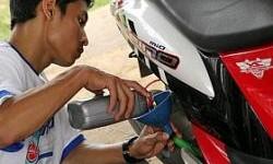 Motor Matik Harus Pake Oli yang Spesial