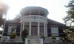 Rumah Pengasingan Soekarno, Sisi Lain Danau Toba