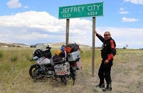 Jeffrey Polnaja, Sukses 'Menggelinding' Ke 97 Negara
