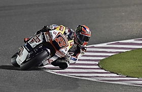 Moto2 Qatar Sam Lowes Jump Start, Tunda Naik Podium
