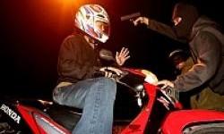 Tips Menghindari Perampasan dan Perampokan Sepeda Motor