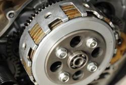 Spesialis Teknik Begini Cara Kerja Kopling Otomatis Oli Mesin Motor Federal Oil
