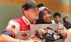 Federal Oil Berikan Pengalaman Tak Terlupakan Bagi Perempuan Penggemar MotoGP Ini