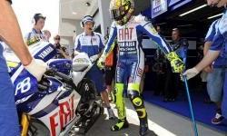 Rossi Patah Tulang Kaki Kanan Saat Latihan Enduro