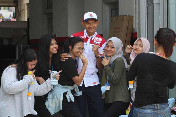 Dukung Tim dan Pebalap Kebanggaan Indonesia, Dapatkan Hadiah Spesialnya Disini