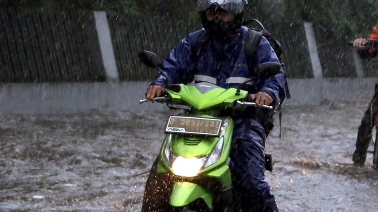 Hal-hal yang Harus Diperhatikan Selama Musim Hujan, Bikers Wajib Tahu
