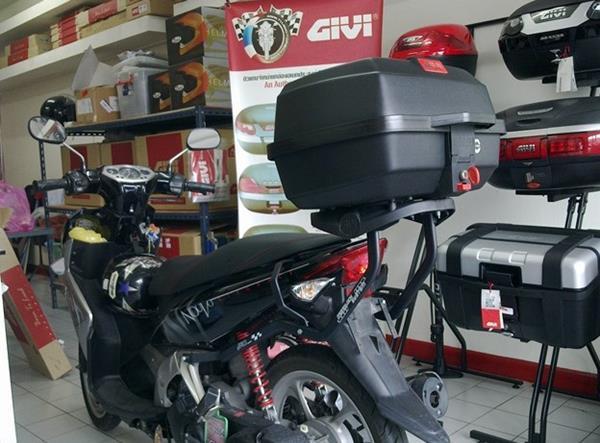 Etika Menggunakan Box Pada Sepeda Motor, Jangan Sekedar Cocok