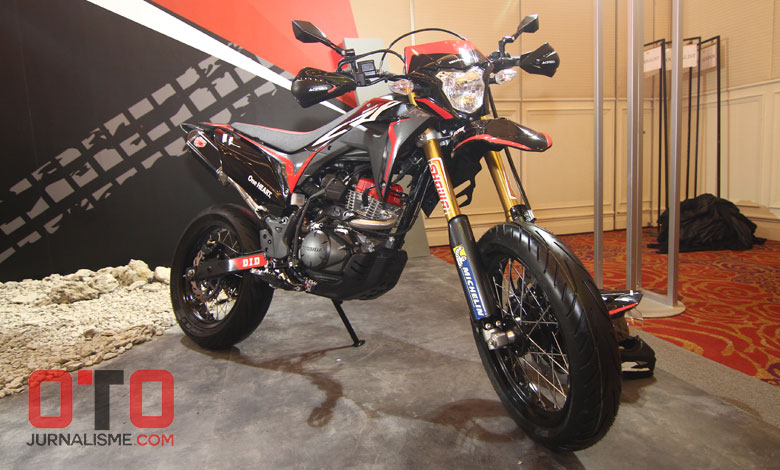 Modifikasi Honda CRF150L Supermoto Ala Honda Indonesia