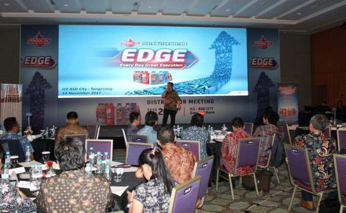 Distributor Meeting Federal Oil 2017 Usung Tema EDGE