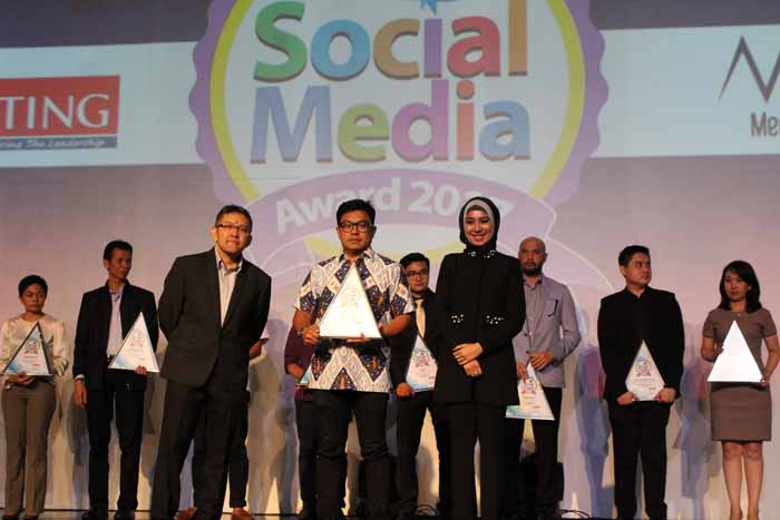 Federal Oil Raih Social Media Award 2017