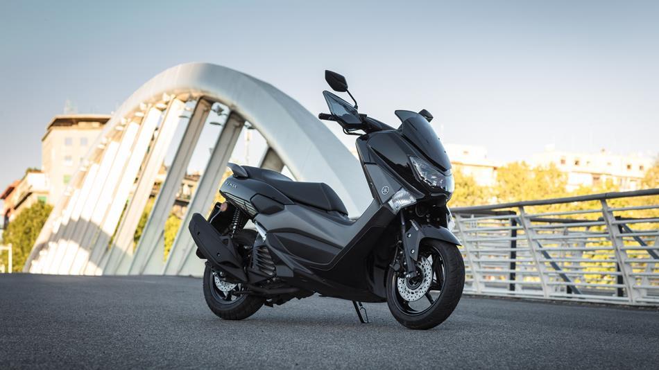 Mengenal Lebih Jauh Pelumas Khusus Yamaha NMAX