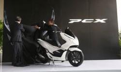 Harga Resmi Honda PCX Rakitan Lokal, Mahal Sedikit dari Skutik Yamaha