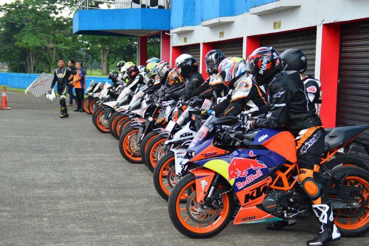 Komunitas KTM Kumpul-kumpul di Sentul, Ngapain ya? ada Coaching Klinik Juga, Keren!
