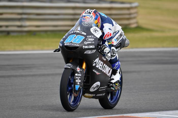 Cuaca Buruk Membuat Team Del Conca Gresini Moto3 tidak Tampil Maksimal di Sesi Pertama Uji Coba