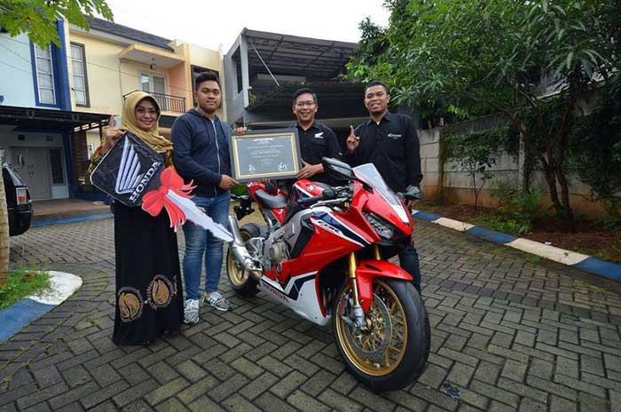 Ini dia Pemilik Moge Honda CBR1000RR SP 2018 Pertama di Indonesia