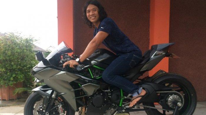 Mengendarai Kawasaki H2 Carbon Satu-Satunya Di Indonesia, Amin Adrianto Masih Canggung