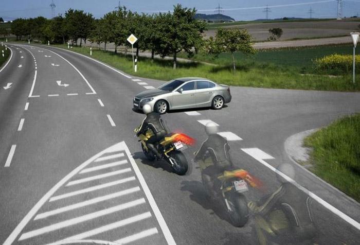 Teknik Melakukan Pengereman Sepeda Motor, Awas Jangan Sembarang!
