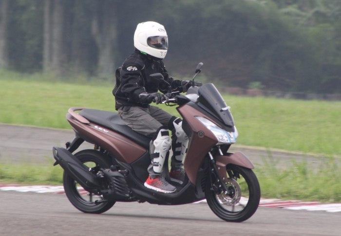 Yamaha Lexi 125 Versus All New Vario 125, Feders Pilih Yang Mana ?