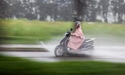 Tips Pilih Perlengkapan Musim Hujan Yang Spesial