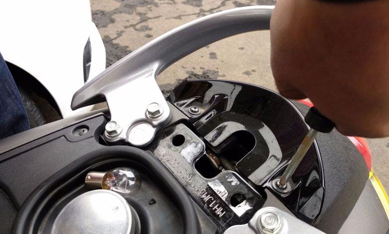 Lampu Belakang Honda Scoopy Mati, Cara Gantinya Gampang Banget