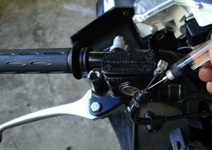 Putaran Selongsong Gas Motor Kamu Berat ? Ayo Kita Periksa