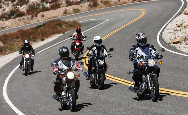Tips Safety Riding Supaya Aman di Jalan