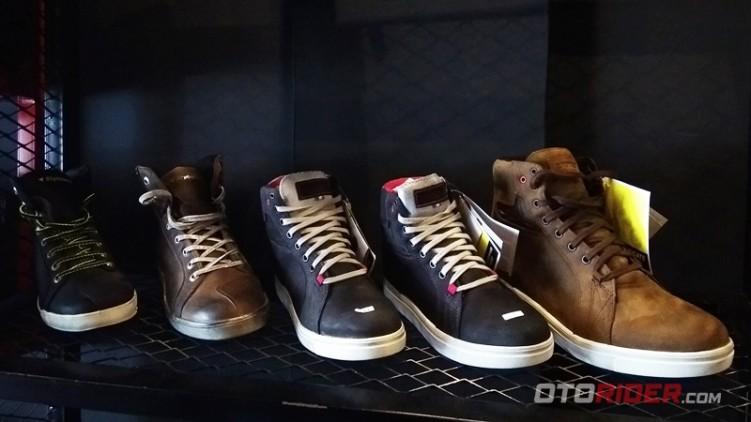 Sepatu TCX Buat Casual Oke, Buat Touring Juga Oke