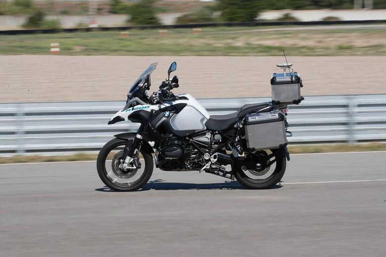 Canggihnya BMW R1200GS, Bisa Jalan Tanpa Rider
