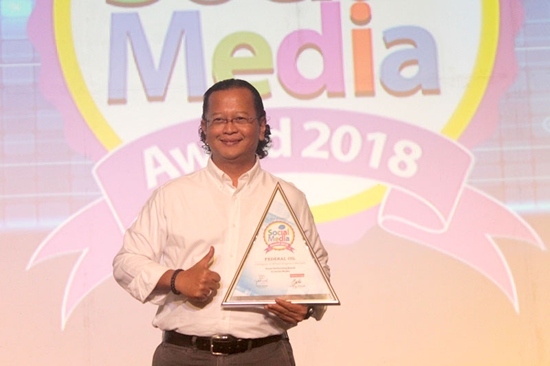 Aktif Sapa Konsumen di Media Sosial, Federal Oil Raih Penghargaan Social Media Awards 2018