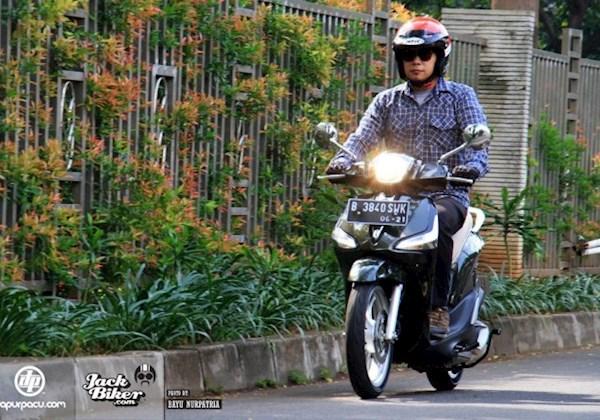 Bukan Cuma Buat Pelindung Mata, Kacama Juga Bikin Bikers Tampil Keren