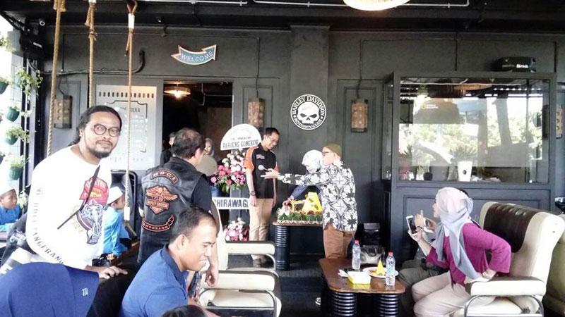 Waroeng Kongkow, Tempat Kongkow Bikers Yang Asik di Tangerang