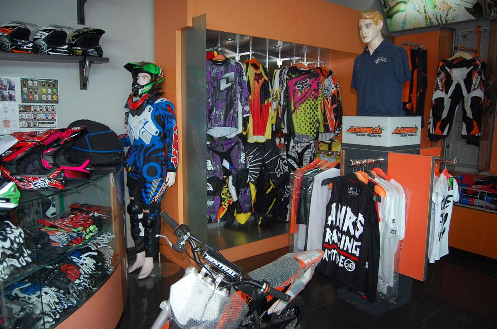 AHRS Clothing Penyedia Kebutuhan Bikers Yang Komplit