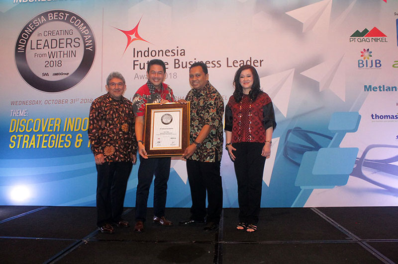 Federal Karyatama Raih Penghargaan Indonesia Best Company In Creating Leaders 2018